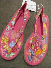 BNWT GIRLS PINK & HEARTS CANVAS FLAT SHOES SIZE 5 6 7 8 9 12