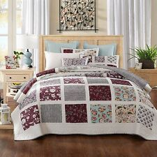 DaDa Bedding Bohemian Burgundy White Floral Paisley Square Quilted Bedspread Set