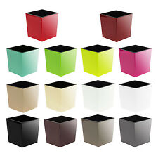 Curved plastic flowerpot Juka inner liner, available in 14 colours and 4 sizes