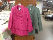 EUC! Womens Size 6P LE SUIT 2pc Skirt Suit Mossy Green(Dark Lime) or Pink