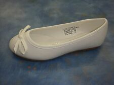 New Girl White Flats Ballerina Slippers/Slip On Shoes/size 10 Toddler - 3 Youth