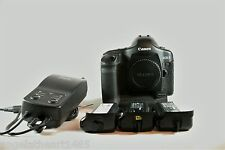 Canon EOS 1D Mark II N 8.2 MP Digital SLR Camera - Black with 3 Batteried