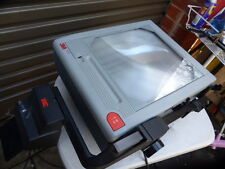 3M 9200 Overhead Projector  2 globes