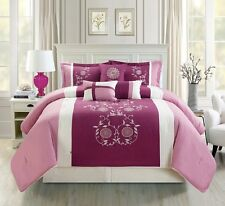Luxurious 7 Piece Pin Tuck Lavender  Bedding Comforter Set with accent pillows.