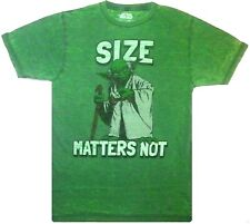 Star Wars: Jedi Master Yoda 'Size Matters Not' Distressed T-Shirt {Size: XL}