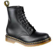 DR. MARTENS DOC 1460 BOOTS 8 LOCH LEATHER BOOTS 10072004 BLACK