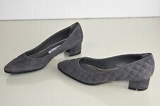 $765 New MANOLO BLAHNIK LISQUI Quilted Gray Suede Flats Pumps Low Heel Shoes 39