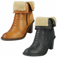 LADIES CLARKS TAN BLACK LEATHER ZIP UP FASTENING SMART ANKLE BOOTS-LISETTE BLUES