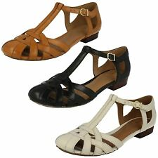 LADIES CLARKS LEATHER T-BAR STRAPPY LOW BLOCK HEEL SUMMER SANDALS HENDERSON LUCK
