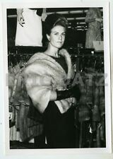 1960's Photo, gorgeous pin-up girl in fur coat, fashion model, 5x7, m66325