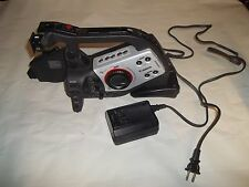 CANON MINI DV XL2 3CCD DIGITAL VIDEO CAMCORDER POWERS ON