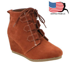 Chic Contemporary Women's Lace Up Platform Wedge Ankle Bootie Whiskey