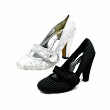 Ladies Mary Jane Court shoes with bar strap and chunky heel