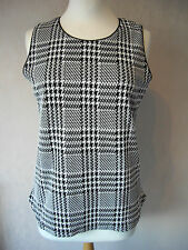 BN - DUNNES - size 8 - 20 - lovely Black/ Ivory ladies TOP/ tunic - BNWoT