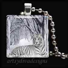 WINTER WHITE SIBERIAN TIGER CAT GLASS PENDANT NECKLACE