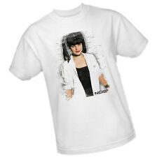 NCIS - Pauley Perrette pictured as Abby Sciuto distressed print Adult T-Shirt