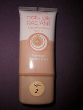 COLLECTION 2000 NATURALLY RADIANT LIQUID FOUNDATION WITH SPF15 IN 4 SHADES 30ML