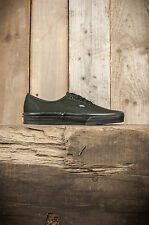 Vans // Authentic // Black Black // RRP £35.89