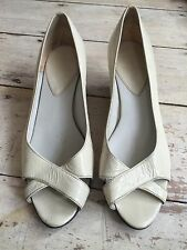 NUDE CREAM PATENT LEATHER TOPSHOP PEEP TOE WEDGES COURTS UK 7 EUR 40