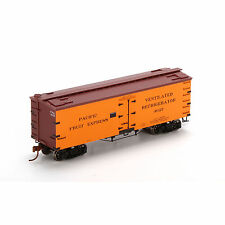 Athearn 85541 HO Pacific Fruit Express 36' Old Time Wood Reefer #4627