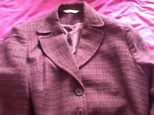 Ladies vintage style suit 1940s?