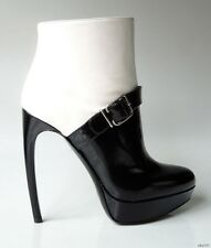 new $1165 ALEXANDER MCQUEEN black/white leather curved heel ankle boots - SEXY