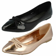 LADIES SPOT ON FLAT SHOES WITH BOW DETAIL (2 COLOURS) STYLE F80132