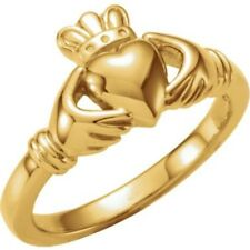 14K Yellow Gold Irish Claddagh Two Hands Clasping Heart Ring (Size 6)