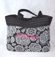 Thirty One 31 Demi Purse - Retired - Botanical Lace - Thirty One in hot pink