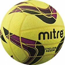 Mitre B5038 Cyclone Indoor Football Match Training/Practice Soccer Ball Size 4-5