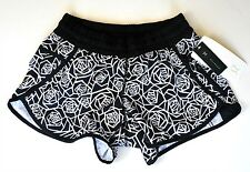 NWT Lululemon Tracker Short III Sz 10 Large Posey Black White Floral Run Gym NEW