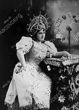 pic stage actress Lillian Russell portrait at the card table dp-10060
