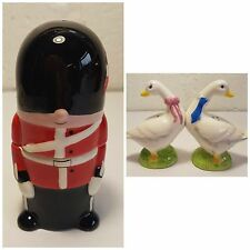 New boxed salt and pepper pots novelty collectable salt and pepper pots magnetic