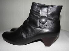 Clarks Softwear Black leather Ladies Ankle Boots size 5.5/39 D RRP £70