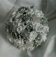 Stunning wedding flowers brides/Bridesmaids christmas snowflake posie bouquet