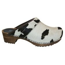Sanita - Wood-Caroline Open Fur - Brown Cow