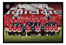 Manchester United Team Photo 2017 / 2018 Poster Framed Cork Pin Board With Pins