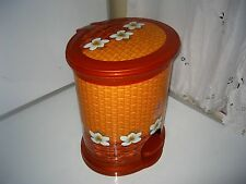 "decorative plastic step trash can 16"" tall"