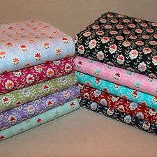Retro Style Floral Tulips Fabric FAT QUARTER, HALF METRE OR METRE 100% Cotton.