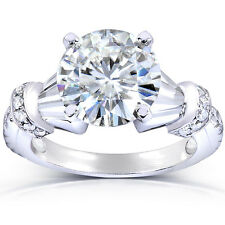 Round-cut Moissanite and Diamond Engagement Ring 3 1/4 Carat in 14k Gold