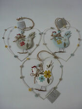Gisela Graham Country Style Tin Hen in Wire Heart Dec 18cms (3 asst)