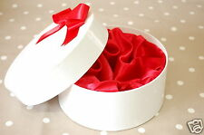 Round Satin lined white gift box with red bow and lining 17cm diameter