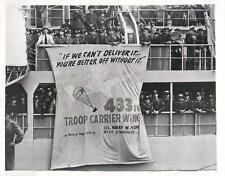 1951 433rd Troops Carrier Wing Troops Display 67th Squadron Motto Press Photo