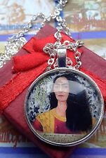 MOTHERS DAY JEWELLERY FRIDA KAHLO SILVER PLATED EARRINGS &  MATCHING NECKLACE