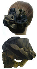 Make a bun and a hairbow with Twist 'n' Twirl - Style Satin Gold Black