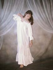 Q&I Renaissance Medieval Costume Classic Chemise Ruffled Tiered Peasant Sleeve