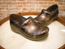 Dansko Brown Textured Patent Leather Professional Comfort Clogs NEW