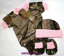 REALTREE CAMOUFLAGE & PINK BABY INFANT DIAPER SHIRT 3 PIECE GIFT SET, BOOTIES