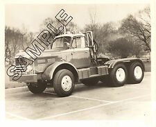 1960s HENDRICKSON B Model Tandem-Axle Tractor 8x10 B&W GLOSSY FACTORY PHOTO