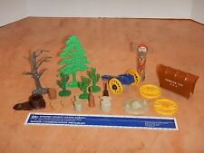 LOT OF 18 MARX FORT APACHE, WESTERN TOWN, OR OTHER PLAYSET ACCESSORIES